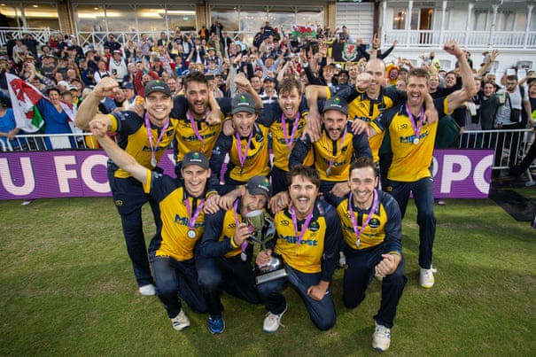 Underdogs Glamorgan win One-Day Cup, their first trophy in 17 years